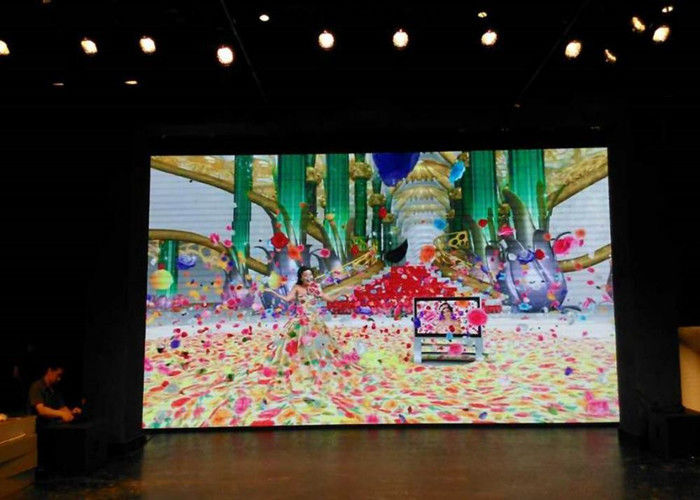 Cina Ruang Rapat Indoor LED Display Screen, LED Video Display Board 220 / 110V pabrik