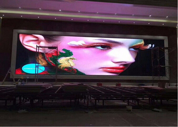 Cina Indoor HD Full Color LED Screen P2.5 IP43 Besar Sudut Pandang Umur Panjang pabrik
