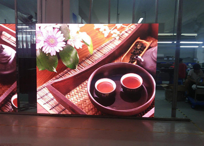 Cina Menampilkan Stall Led Panel Full Color 2.5mm Pixel Pitch 1300cd Brightness 1500 Hz pabrik